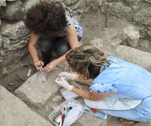 На новые археологические находки наткнулись при раскопках храма в Крыме